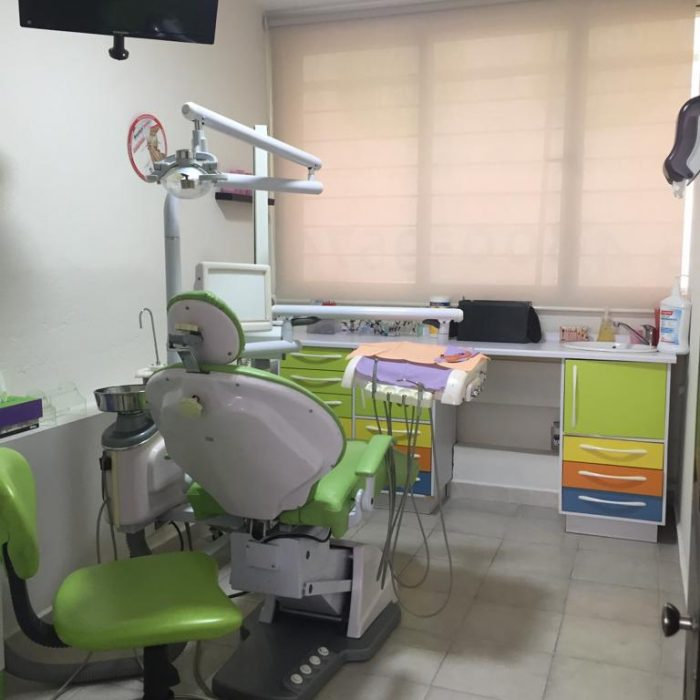 CLÍNICA DENTAL ORTOS
